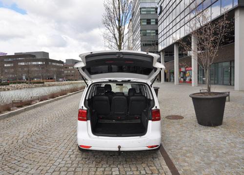 Autopujcovna Brno VW Touran pronajem